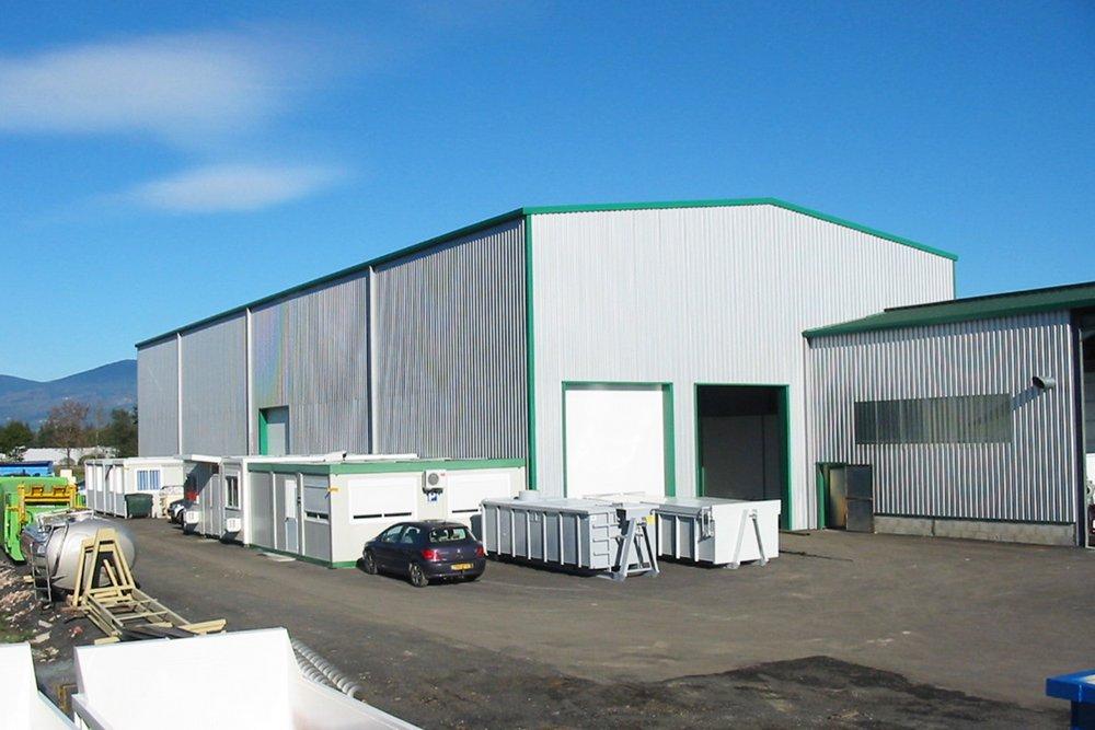 <h4>Atelier de production de 1200m2</h4>
