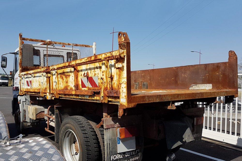 <h4>Camion Benne avant restauration</h4>