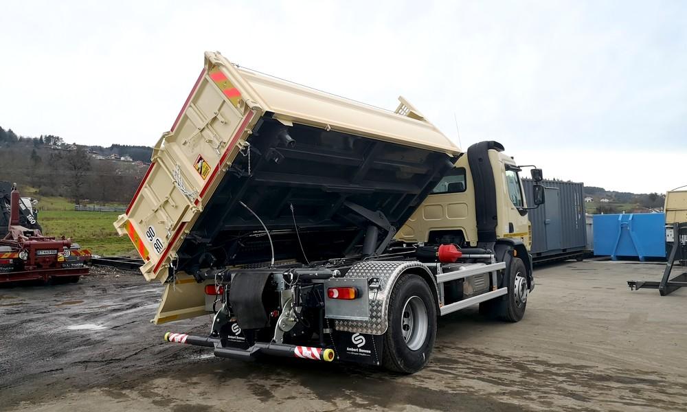 Camion tribenne